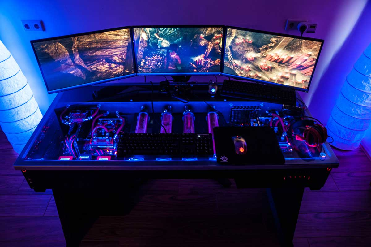 - Limited Edition Cross Desk: Computer Desk + PC Case
