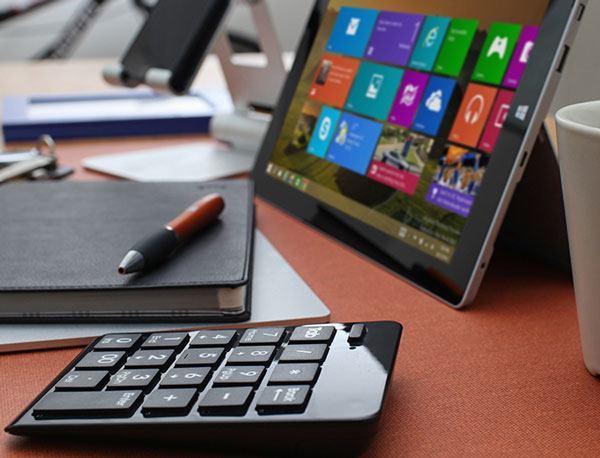 Satechi-Bluetooth-Wireless-Keypad
