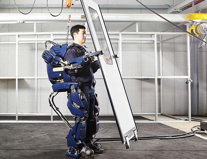 Hyundai's-Wearable-Robot