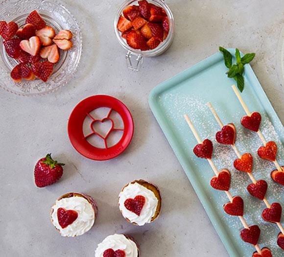 Sweet-Heart-Strawberry-Cutter