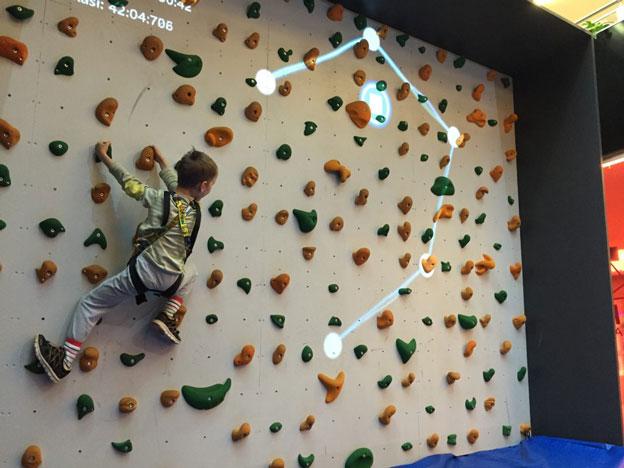 augmented-climbing-wall