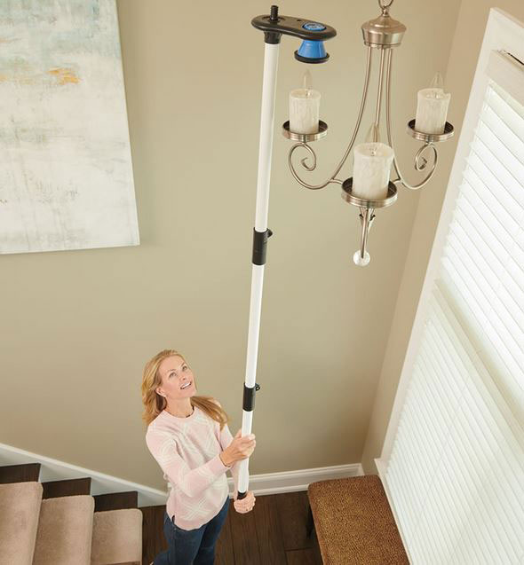 Dual Direction Chandelier Bulb Changer, How To Change A Chandelier Light Bulb